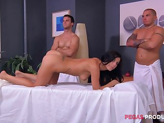 Rough rub-down and a gang profitability for an oiled on every side brunette Roxy Street