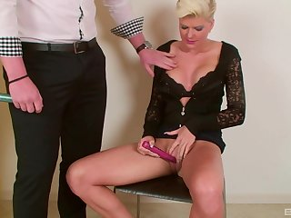 Short haired blonde MILF Phosphorescence Young sucks and rides a big fat flannel