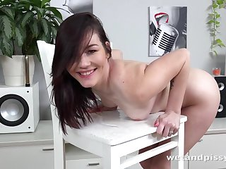 Bad girl plays just about her hot piss and gets electrified
