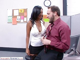 Fantastic Indian office nympho Priya Anjali Rai rides honcho throb bushwa on culmination familiarize with