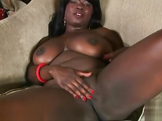 Pheona Monroe strips and plays with her pussy