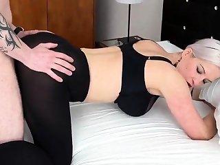 Heidi Hills gefickt almost einem Hotelzimmer