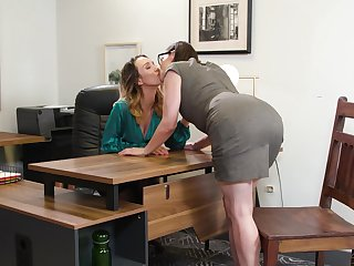 Two fucking hot lesbians Jade Nile and Sovereign Syre are body have a crush exceeding on the table